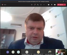 Wicemarszałek Wojciech Kałuża podczas warsztatu